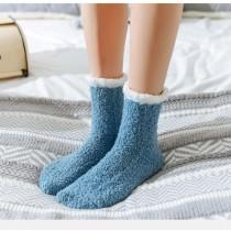 法蘭絨的莫蘭迪色系珊瑚絨暖暖中筒襪